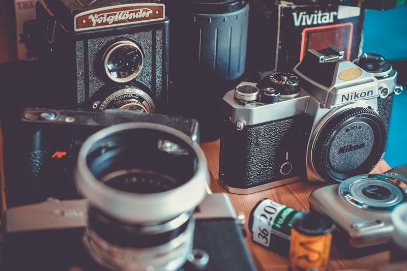Analoge Fotografie Kamera und Objektive